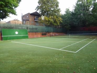 Tennis wall guide